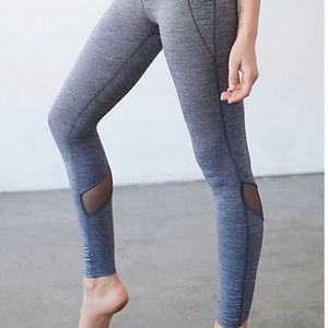 Free people movement twist pointe leggings